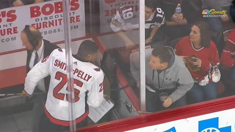 NHL: Adeptos dos Chicago Blackhawks banidos por comentários racistas