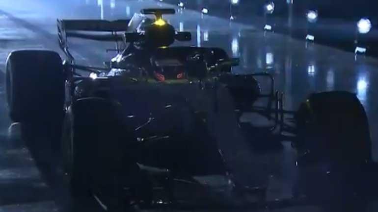 Mercedes apresenta novo carro para o Mundial de F1 deste ano
