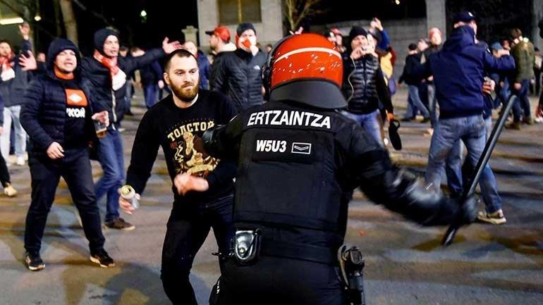 Morreu um polícia nos confrontos antes do Athletic Bilbau-Spartak Moscovo