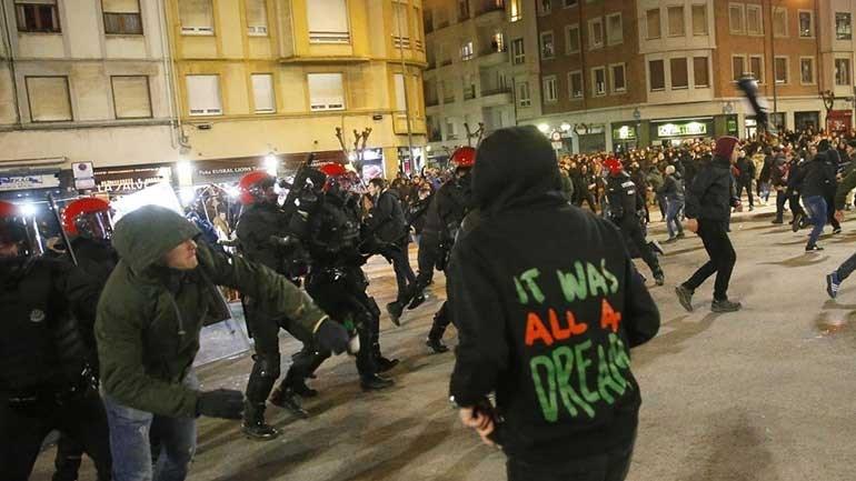 Polícia morre de enfarte na sequência de confrontos em Bilbau