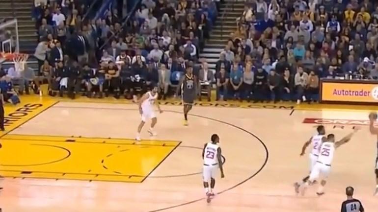 NBA: Nem três adversários conseguiram parar Curry