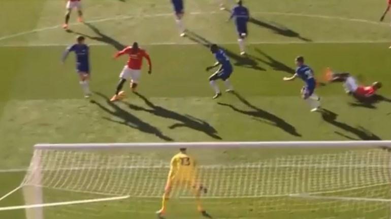 Lukaku mostra que sabe jogar à bola e conclui bela jogada