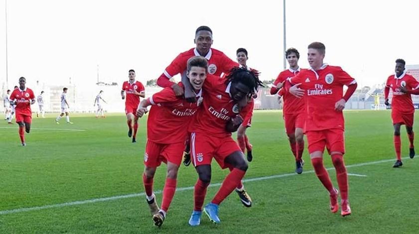 Benfica arranca fase de apuramento de campeão com triunfo