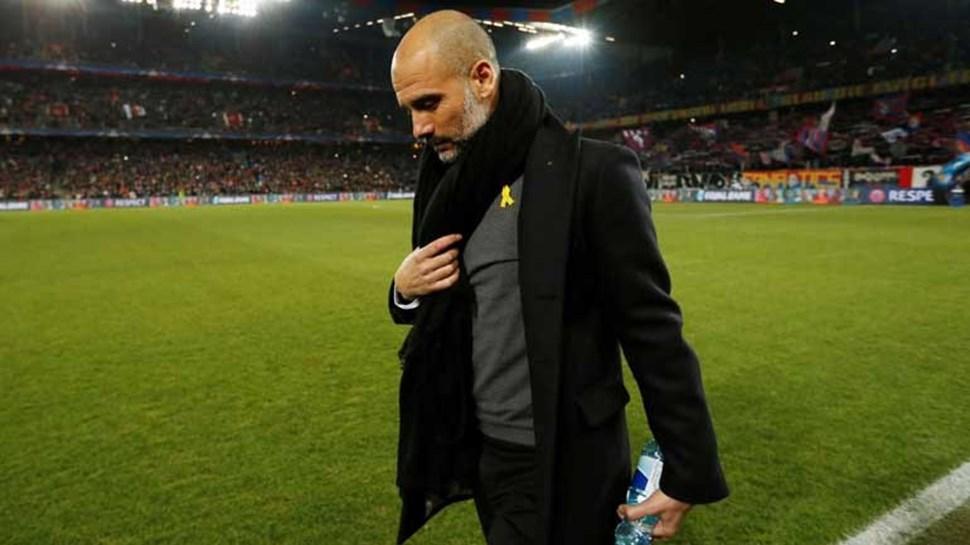 Polícia revista avião privado de familiares de Guardiola à procura de Puigdemont