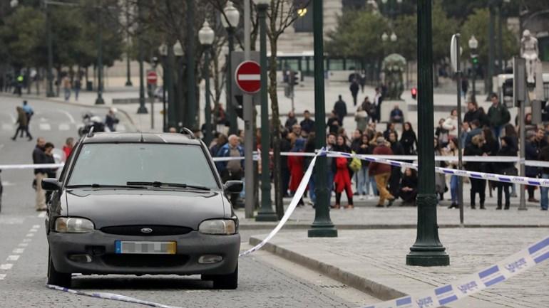 Trânsito reaberto na Avenida dos Aliados no Porto