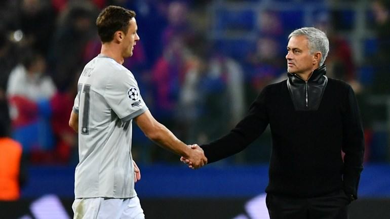 Manchester United bate Liverpool e reforça segundo lugar