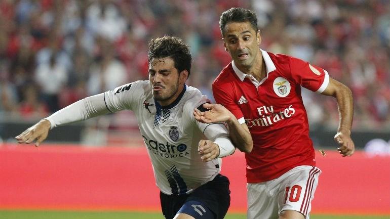 Benfica vence Feirense (2-0)