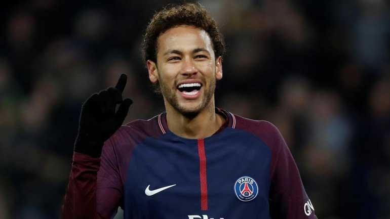 Emery diz que Neymar volta a Paris