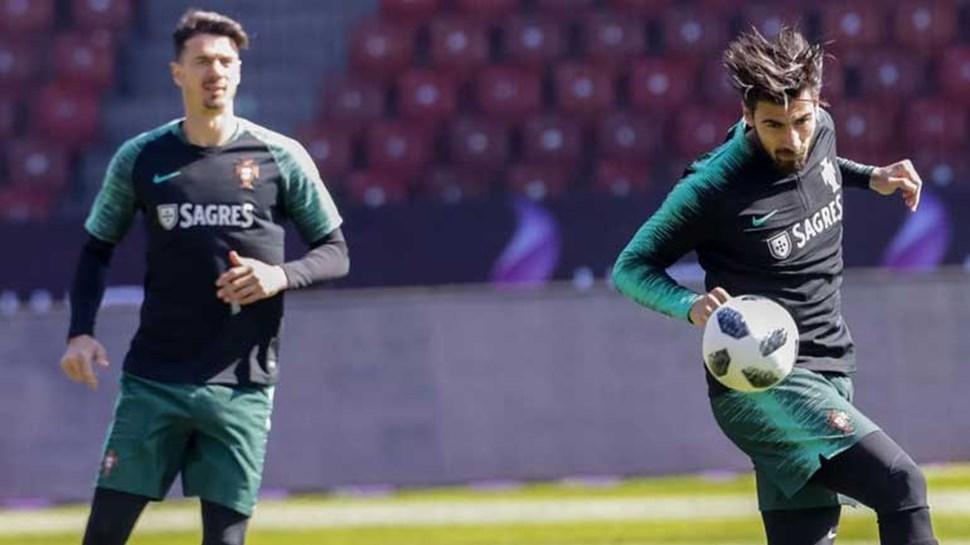 Fernando Santos poupa titulares no treino deste sábado
