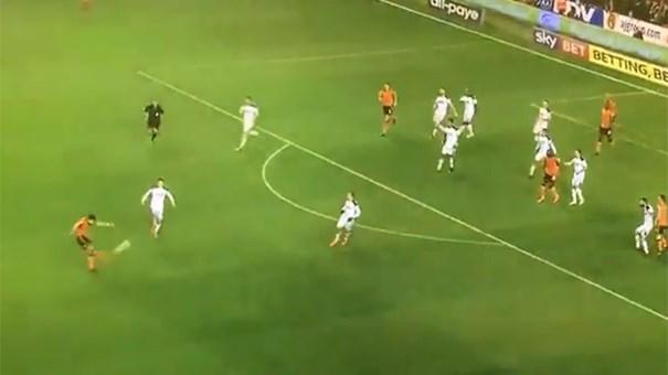 Rúben Neves marca golo fantástico pelo Wolves | VÍDEO