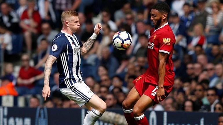 Liverpool desperdiça dois golos de vantagem contra o último