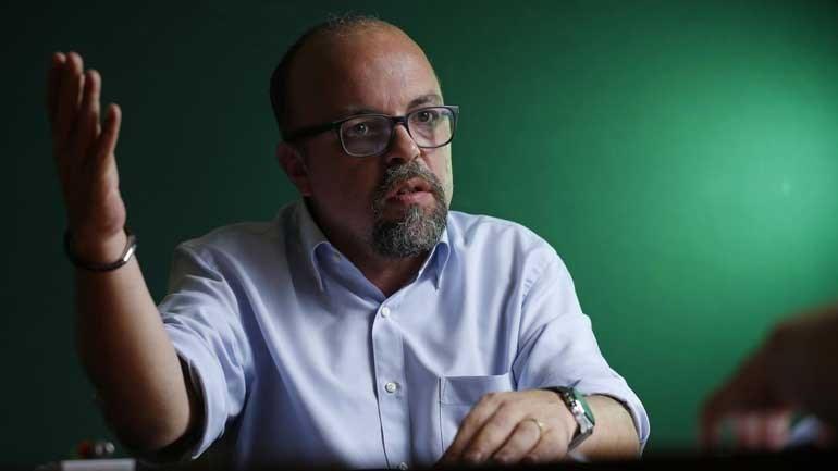 Nuno Saraiva Vai um desespero sem fim para os lados da Luz