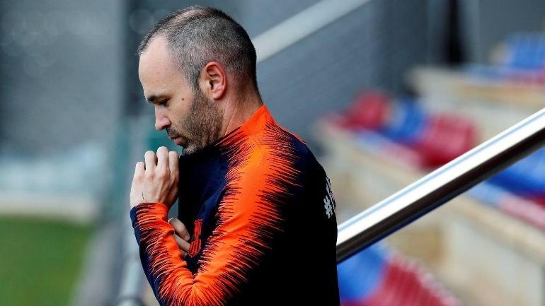 Iniesta foi especulado no Japão, mas clube nega qualquer acordo