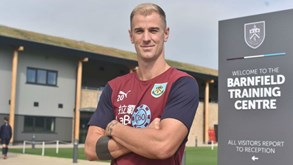 Joe Hart deixa Manchester City e assina pelo Burnley