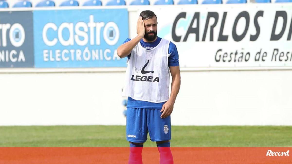 Tiago Mesquita com suspeita de lesão muscular - Record