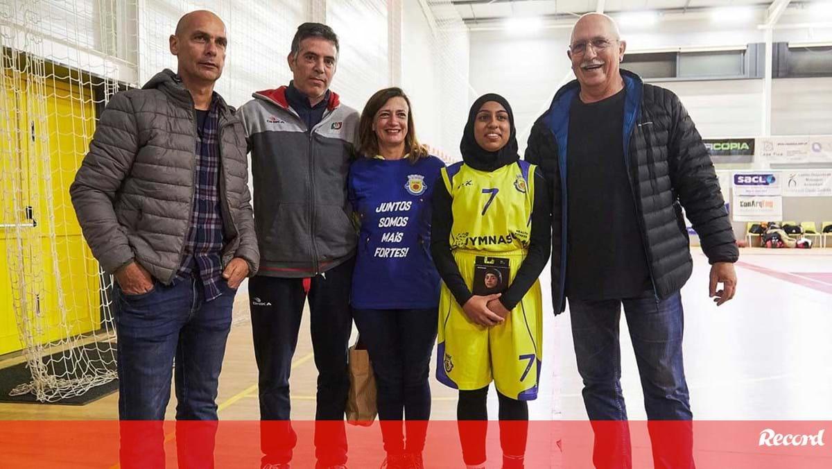 Federação entregou equipamento a Fatima Habib - Record