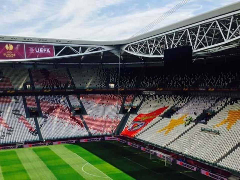 Receber Benfica Juventus Se Para Stadium Veste Adeptos Do qCxrxInR0w