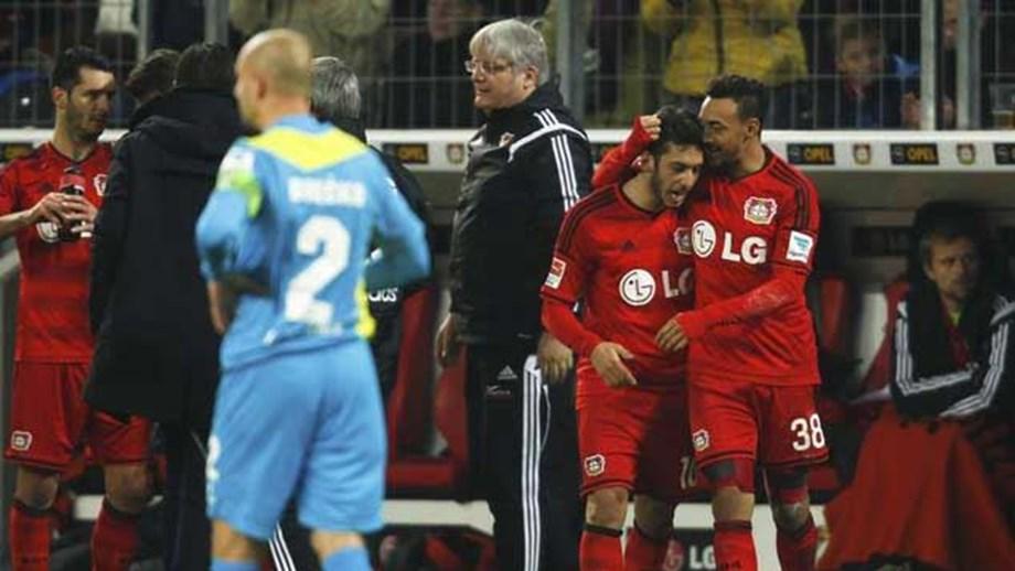 Bayer Leverkusen goleia e sobe ao segundo posto - Alemanha - Jornal ... eb026fd36c8d6