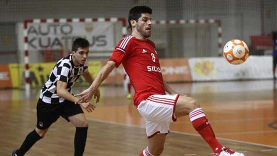 Póquer de Patias na goleada do Benfica - Futsal - Jornal Record cc953f941e808