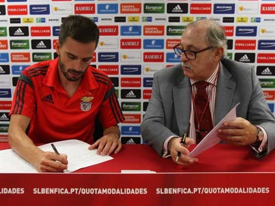 Benfica renova com Gonçalo Alves Benfica renova com Gonçalo Alves 944c45d0139e5