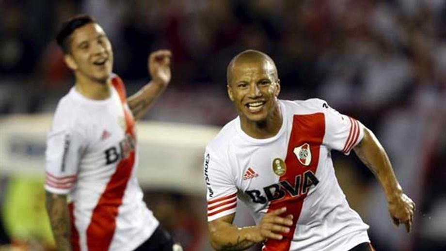 Argentina: Adidas paga 9,4 milhõesano para equipar o River