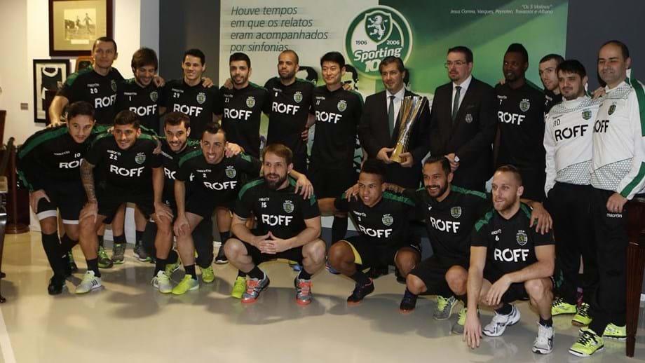 Taça da Liga já está br    no Museu do Sporting - Futsal - Jornal Record 8ee24072dae91