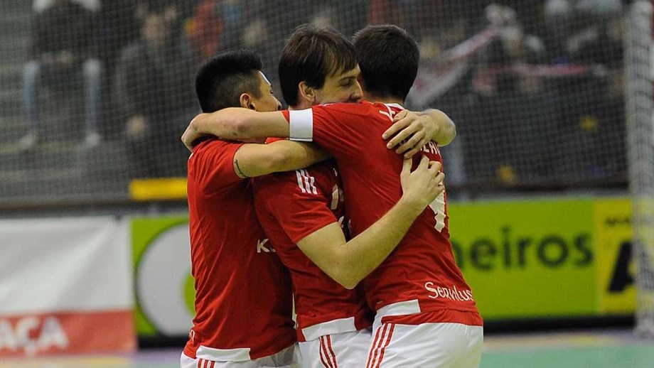 Benfica aplica nova chapa 7 - Futsal - Jornal Record e3c8c8f16a8bc