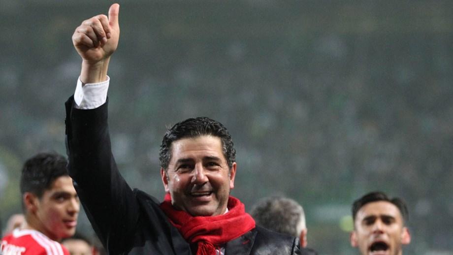 567ed1241f645 Balneário sempre aberto com Rui Vitória muito presente - Benfica ...