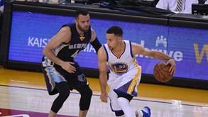 Campeões Warriors batem recorde de vitórias na fase regular