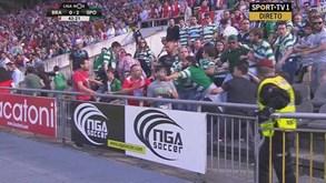 Adeptos minhotoscelebraram golo do... Benfica