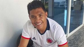 Teo mostra-se feliz na Colômbia