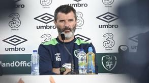 Roy Keane pede mais... abraços