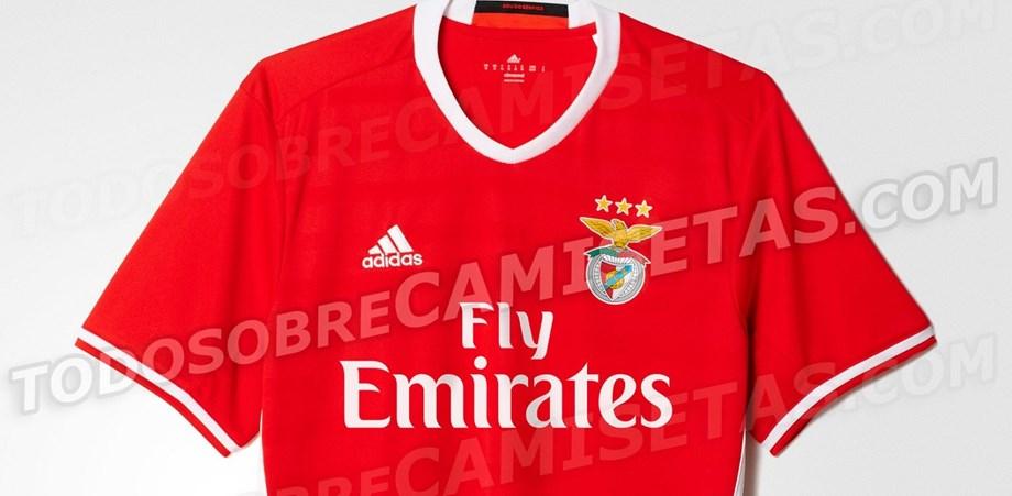 Novas camisolas do Benfica já circulam em Espanha - Multimédia ... de7317edb3474