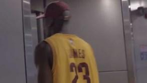Pogba 'disfarça-se' de LeBron James e... coisa boa não havia de dar!