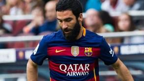 Arda Turan divide Luis Enrique e responsáveis do Barcelona