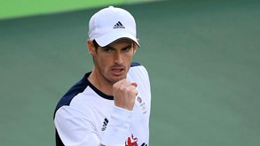 Andy Murray qualifica-se para os quartos-de-final