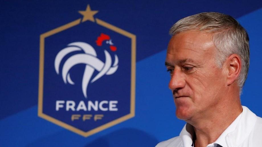 França não esquece as vítimas dos atentados. Seleção francesa vai  homenagear vítimas dos ataques terroristas no Stade de France 645606d7c375d
