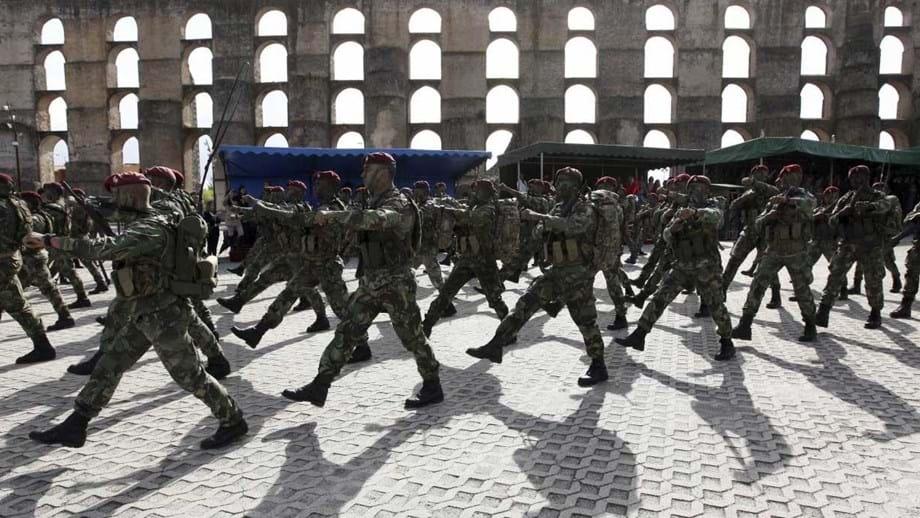 ... militares após morte nos comandos. Sete detidos serão levados para Tomar 2c1d7f33cca