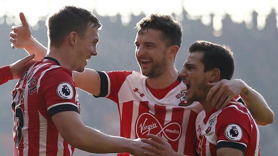 Southampton aplica chapa 3 ao campeão - Internacional - Jornal Record 9eb2ba9c564bd