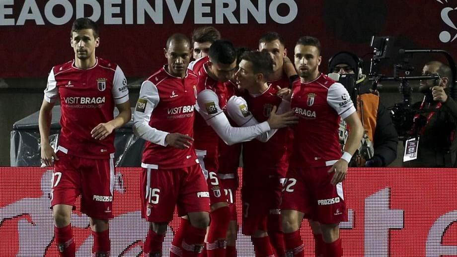 6c72a55c512 Arsenalistas garantem apuramento com triunfo no Estádio Algarve