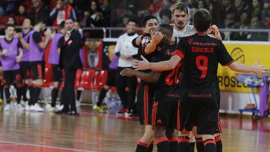 230db96eba Hat trick de Ré na goleada do Benfica - Futsal - Jornal Record
