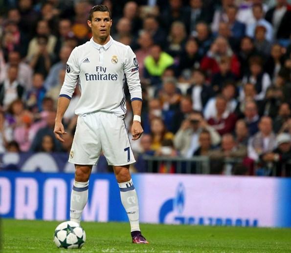 Há um jogador que vende mais camisolas do que Ronaldo ... 0ba82a7d7a3cb