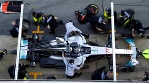 Ferrari ganhou: FIA obriga Mercedes e Red Bull a alterar suspensões