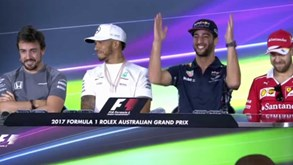 Alonso queria motores iguais mas Hamilton acrescentou: