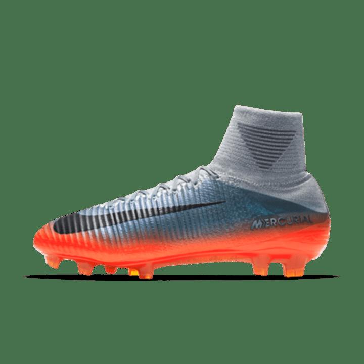25be86a6af5cc 1   7 Cristiano Ronaldo com botas novas para atacar todos os títulos