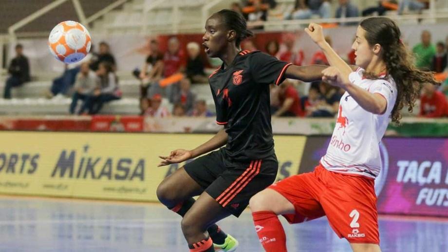 Futsal feminino  Benfica conquista Taça de Portugal. Hat-trick de Janice  Silva deu a segunda taça consecutiva . dd65f94518c4d