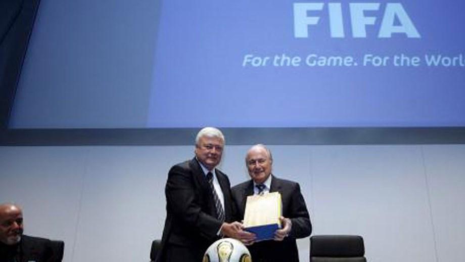 Sepp Blatter e Ricardo Teixeira contestam  Relatório García . Antigo líder  da FIFA e ex-presidente da CBF negam corrupção na escolha do Qatar 35a04a8c336d6