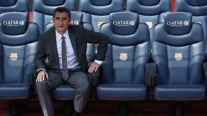Os seis jogadores que têm de convencer o treinador do Barcelona