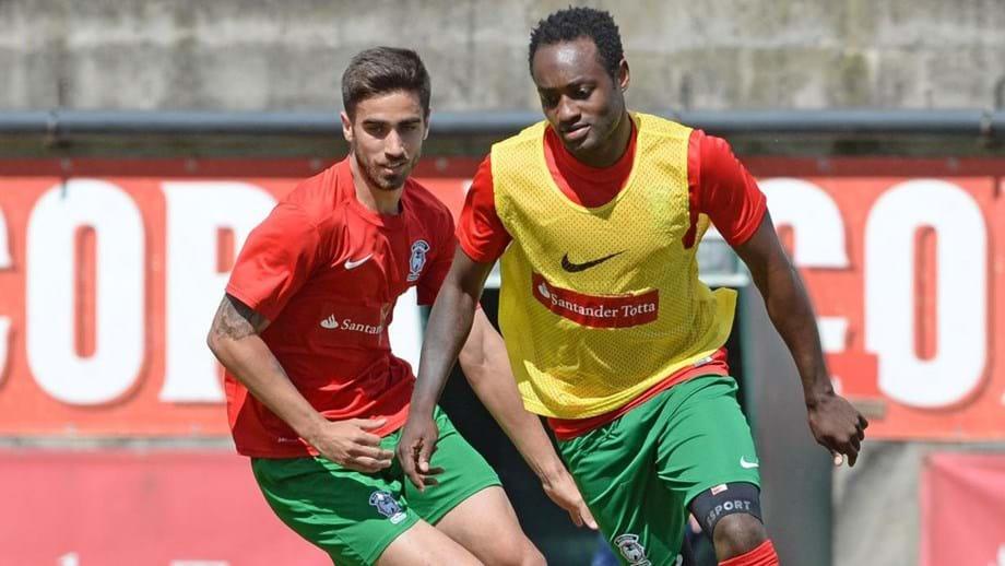 Rodrigo Pinho e Zainadine no treino de quinta-feira no Funchal