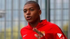 PSG já tem acordo por Mbappé mas UEFA 'congela' negócio